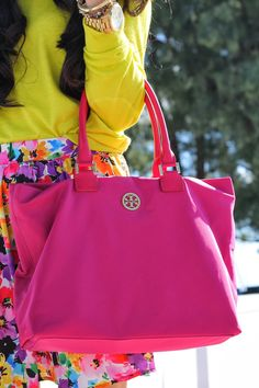 http://www.thesweetestthingblog.com/ pink tory burch