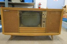 Olympic Dual Stereo TV, Record Player, AM Stereo Vintage Television, Television Set, Tvs, Vintage Tv, Vintage Items, Mid Century Console, White Tv, Tv Sets, Record Player