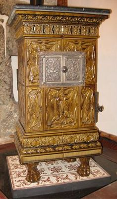 Old Stove, Antique Stove, Keep Warm, Venetian, Stoves, Interior Design, Furnitures, Arts, Antiques
