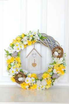 Diy Easter Decorations, Valentines Day Decorations, Flower Decorations, Spring Projects, Spring Crafts, Holiday Crafts, Hoppy Easter, Deco Table, Easter Wreaths