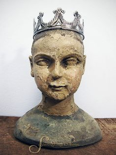 Image of Blue Chippy Santos Bust, 6 1/2 inches