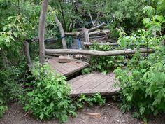 Geen speelplaats zonder groen | Velt Kids Outdoor Play, Outdoor Play Spaces, Outdoor Learning, Farm Kids, Sand And Water, Outdoor Classroom, Garden Care, Play Houses, Garden Bridge