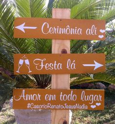 Placas com indicação de direções para o casamento - festa e recepção