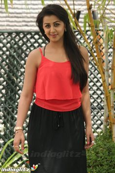 Tamil Actress Photos, Cute Beauty, Curvy Girl Fashion, Tamil Movies, India Beauty, Indian Girls, Indian Actresses, Divas, Actors