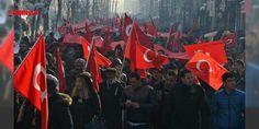 Yüksekova teröre karşı yürüdü : Yürüyüş için aralarında Yüksekova Kaymakamı Mahmut Kaşıkçı ve 3üncü Tümen Komutanı Tuğgeneral Metin Tokel kurum amirlerinin de bulunduğu yaklaşık 3 bin kişi İpekyolu Caddesi üzerinde toplandı. Ellerindeki Türk Bayraklarıyla yürüyüşe geçen kalabalık sık sık Türk-Kürt kardeştir ayrım yapan kalleşt...  http://www.haberdex.com/turkiye/Yuksekova-terore-karsi-yurudu/130404?kaynak=feed #Türkiye   #Yüksekova #Ellerin #Türk #toplandı #Caddesi