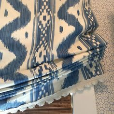 Mark Sikes Blue and white Roman shades with white trim window treatments - Best of Wallpapers for Andriod and ios Bold Wallpaper, Trendy Wallpaper, Fabric Wallpaper, Guest Bedroom Decor, Bedroom Wall Colors, White Window Trim, White Trim, Window Shades For Cars, Mark Sikes
