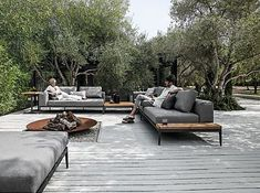 Option for back veranda Customise your own unique outdoor space by combining with coordinating Gloster lounge furniture to complete the look in style.