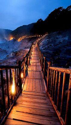 Vale do Inferno, Noboribetsu, Hokkaido, Japão.  Fotografia: http://www.duskyswondersite.com