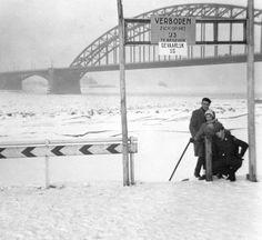 Winter in Nijmegen Zeppelin, Old Photos, Vintage Photos, Memory Motel, Snow Scenes, Winter Beauty, Old City, Winter Snow, Netherlands