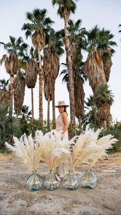 Pampas Grass for your Home Decor and Wedding Bohemian Wedding Flowers, Boho Beach Wedding, Boho Wedding Decorations, Chic Wedding, Wedding Trends, Floral Wedding, Perfect Wedding, Wedding Bouquets, Wedding Styles