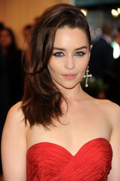 "Emilia Clarke – ""PUNK: Chaos To Couture"" Costume Institute Gala, New York, 06.05.13"