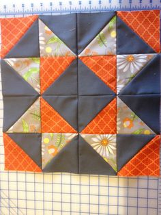Check out this great Patchwork Quilts - what an innovative theme Beginner Quilt Patterns, Star Quilt Patterns, Quilting For Beginners, Quilt Tutorials, Pattern Blocks, Quilting Projects, Quilting Designs, Embroidery Designs, Half Square Triangle Quilts Pattern