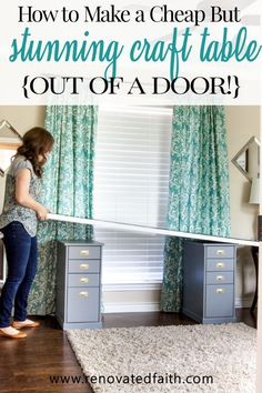 EASY DIY Desk Out of a Door (IKEA Klimpen Desk Hack) – Why Use An Old Door For a Desk Top? The large glass surface is beautiful, durable & waterproof. For a desk or DIY craft table from a door, here's how to add glass to a desk for a sophisticated makeov Diy Home Decor Bedroom, Diy Home Decor On A Budget, Decor Diy, Craft Room Ideas On A Budget, Wall Decor, Diy Décoration, Easy Diy, Hack Ikea, Ikea Linnmon