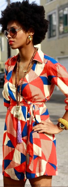 I just really want an afro & love, love this look! Fashion Moda, Look Fashion, Womens Fashion, Fashion Trends, 70s Black Fashion, Fashion News, Mode Style, Style Me, 70s Style