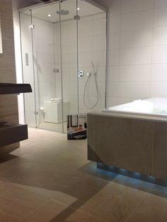 Cleopatra's L-shape steam shower @ Boer Staphorst https://www.boer-staphorst.nl/onze-badkamers/