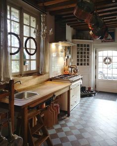 French Country Kitchen | CountryHomeMagazine
