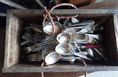 VINTAGE & ANTIQUE FLATWARE SILVER PLATE EPNS SPOONS FORKS KNIVES IN WOODEN BOX
