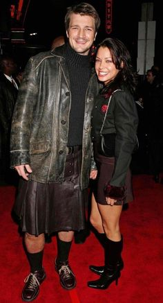 I don't normally post pictures of actors just for the sake of themselves, but hey, he's wearing a kilt. And it's leather. A leather kilt.