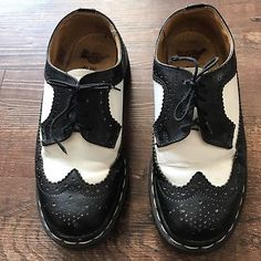 a53f05857f2 Doc Dr Martens Shoes Black White 3989 Wingtip Brogues UK Size 5 USA Size 7