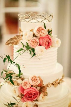 The Royal Crowned Cake - Photo: Kina Wicks