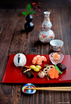 "Net search is ""studio long Japanese Table, Japanese New Year, Japanese Dishes, Japanese Sweets, Japanese Food, New Year's Food, Miniature Food, Snack, Food Presentation"