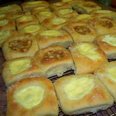II Kolaches II Oh my, these remind me of the ones I love from the Czech Stop in Waco, TX!Kolaches II Oh my, these remind me of the ones I love from the Czech Stop in Waco, TX! Slovak Recipes, Czech Recipes, Baking Recipes, Cookie Recipes, Dessert Recipes, Almond Recipes, Bread Recipes, Strudel, Croissants