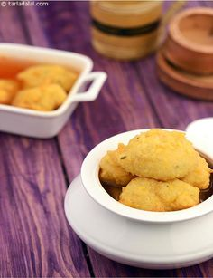 Kanji Vada recipe Indian Snacks, Indian Food Recipes, Indian Appetizers, Indian Sweets, Rajasthani Food, Rajasthani Recipes, Snack Recipes, Cooking Recipes, Tasty Snacks