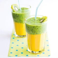 Kiwimangové smoothie - My site Easy Green Smoothie Recipes, Green Detox Smoothie, Healthy Green Smoothies, Juice Smoothie, Fruit Juice, Healthy Drinks, Breakfast Menu, Breakfast Smoothies, Food Videos