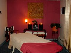 massage therapy room w/colour and some decor...