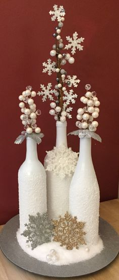 Wine Bottle Crafts – Make the Best Use of Your Wine Bottles – Drinks Paradise Recycled Christmas Decorations, Christmas Centerpieces, Christmas Projects, Holiday Crafts, Christmas Crafts, Wine Craft, Wine Bottle Crafts, Bottle Art, Christmas Wine Bottles