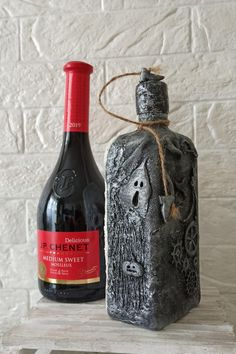 Collectible Glass, Vintage Style Bottle Decor,Sea style storing Drinks Bottle Bottle art is made of glass bottle, seashells, ropes and nautical fabric, sea stones #halloween