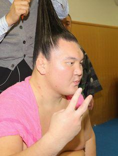 白鵬、1000勝にあと2!隠岐の海に完勝「相撲を取る喜びを感じた」 #相撲