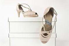 #zapatos #peeptoe #shoes #handmade #moda #fashion #madeinspain #calidad #original #estilo #look #outfit COMPRAR/BUY/27DIFFERENTCOLORS: http://www.jorgelarranaga.com/es/home/369-414.html