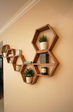 Hexagon Shelf Floating Hexagon Shelves Geometric Wall - New Site Wood Wall Shelf, Wall Shelves Design, Wood Shelves, Floating Shelves, Shelving, Diy Home Decor, Room Decor, Hexagon Shelves, Geometric Wall