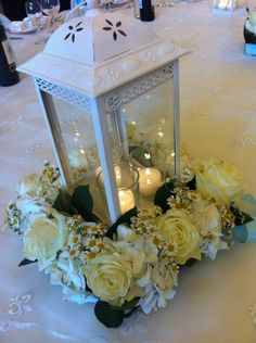 wedding - white later - roses - rose bianche e lanterna per centrotavola matrimonio