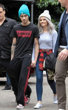 """Zerrie Haters be like Perrie is obviously fake smiling because she is possessed. Zayn is staring at some chicks ass. Perrie is thinking about the """"d"""" and as in """"d"""" I mean devil. Zayn is obviously uncomfortable because his arm is flexed just a little. Zayn Perrie, Zayn Mailk, Haters Be Like, Cutest Couple Ever, Jamie Campbell Bower, The Way He Looks, The Girlfriends, I Love One Direction, 0ne Direction"""