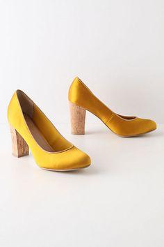 Chunky heel yellow pumps