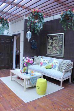 Decoración de terraza con flores