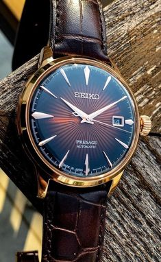 Beautiful classic looking Grand Seiko with Vintage Leather Strap Cheap Watches, Best Watches For Men, Cool Watches, Seiko Presage, Expensive Watches, Seiko Watches, Mechanical Watch, Automatic Watch, Vintage Watches