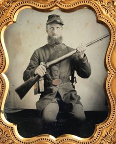 Civil-War-Soldier-holding-his-RIFLE-in-Full-Uniform-FANTASTIC-CIVIL-WAR-IMAGE