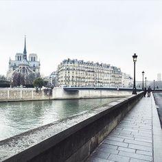 """La TOP photo de Paris a été prise par @elieyobeid  Après avoir regardé les photos de Paris c'est cette photo que nous avons préférée. Merci beaucoup de l'avoir partagée! Rendez-vous sur le """"feed"""" à la une pour partager les likes #Paris #TopPhoto .  Pour une chance plus élevée de mise en avant veuillez simplement utiliser sur vos photo de Paris le hashtag #TopParisPhoto  @TopParisPhoto #CommunityFirst .  TOP Paris feature is by @elieyobeid  Your photo caught our eyes when looking at Paris…"""