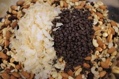 Making Trail Mix takes about 3 minutes! You can create a recipe with your favorite ingredients, and the health benefits of eating fresh nuts is amazing! Yummy Snacks, Healthy Snacks, Healthy Recipes, Homemade Trail Mix, Snacks Homemade, Trail Mix Recipes, Just Eat It, Create A Recipe, Grain Foods