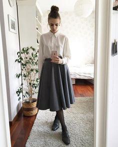 """Polubienia: 213, komentarze: 6 – Karolina Maras (@analogowy_marazm) na Instagramie: """"my first real circle skirt . . . . . . #infini #circleskirt #style #dailyoutfit #classy…"""""""