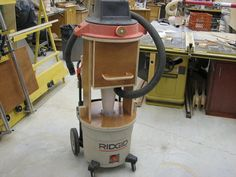 shop vac cyclone conversion - by Woodworking Images, Woodworking Jigs, Woodworking Projects, Woodworking Techniques, Shop Dust Collection, Wood Shop Projects, Workshop Organization, Workshop Ideas, Dust Collector
