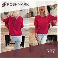 Gorgeous wine red fringe top! Soft knit in stunning fall color with fringe sleeves💋 Tops