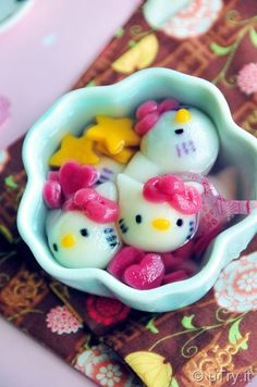 Hello Kitty Red Bean Dumplings (凱蒂貓紅豆湯丸) for Chinese New Year  http://uTry.it