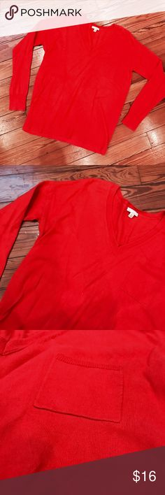 GAP long sleeve sweater Super soft GAP red sweater size xs in excellent condition, from a smoke free home. Don't like the price, Make me an offer 💸 you don't know if you don't ask... I do bundle offers 🎉 Fast same or next day shipping 📦💨 GAP Tops