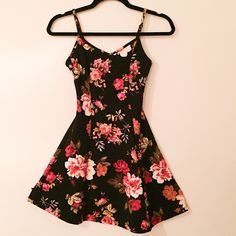 !!! Floral Skater Dress !!! !!! Skater Dress with very Pretty floral print! New, never worn. Very cute Summer Dress or pair with tights for the Fall!! Dresses Mini