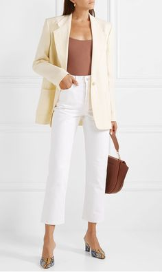 Whether you're running casual errands or have a full day on-the-go, we've paired some easy-wear outfit ideas that go beyond the defaulted t-shirt and jeans. White Jeans Outfit, Blazer Outfits, Casual Outfits, Denim Blazer, Office Outfits, Casual Wear, Jeans Et T-shirt, T Shirt And Jeans, White Denim