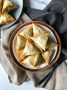 Mini meat pies with filo (Kρεατοπιτάκια με φύλλο κρούστας) – Taking the guesswork out of Greek cooking…one cup at a time Greek Appetizers, Healthy Appetizers, Appetizer Recipes, Susan Recipe, Spaghetti Meat Sauce, Greek Dishes, Main Dishes, Organic Meat, Greek Cooking